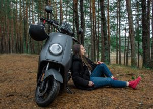electric-scooter-forest-environmentally-friendly-opt-300x214-1166500
