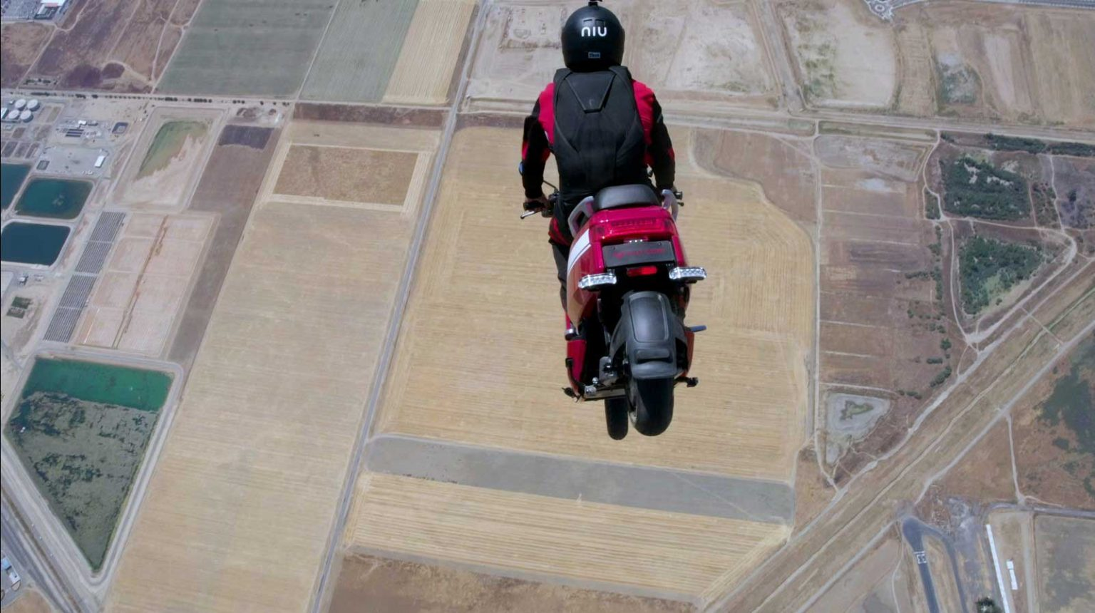 Skydive Stunt Jump 2 OPT 1536x860 1